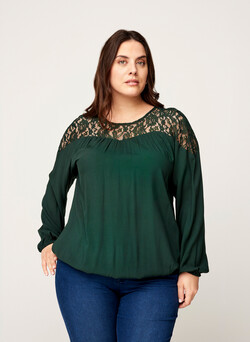 Long-sleeved viscose blouse with lace